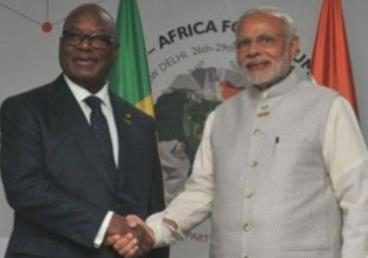 Hon'ble President of Republic of Mali with the Prime Minister of India during IAFS III