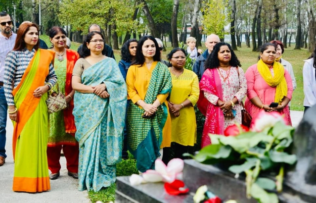 Mahatma Gandhi's 152nd birth anniversary was celebrated in Zagreb with the presence of H. E. Mr. Ivo Josipović former President of Croatia and other friends of India. We also remembered Second PM Shri Lal Bahadur Shastri on his 117th birth anniversary