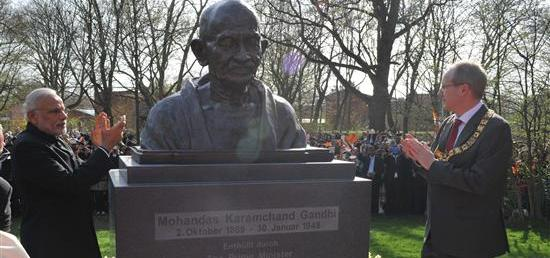 Prime Minister unveils the bust of Mahatma Gandhi in Hannover, Germany
