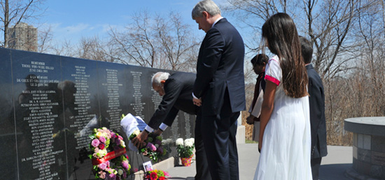 Prime Minister laying wreath at Air India Memorial in Toronto