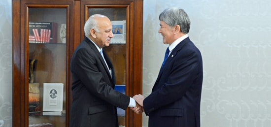 M.J. Akbar, Minister of State for External Affairs meets Almazbek Atambaev, President of Kyrgyzstan in Bishkek