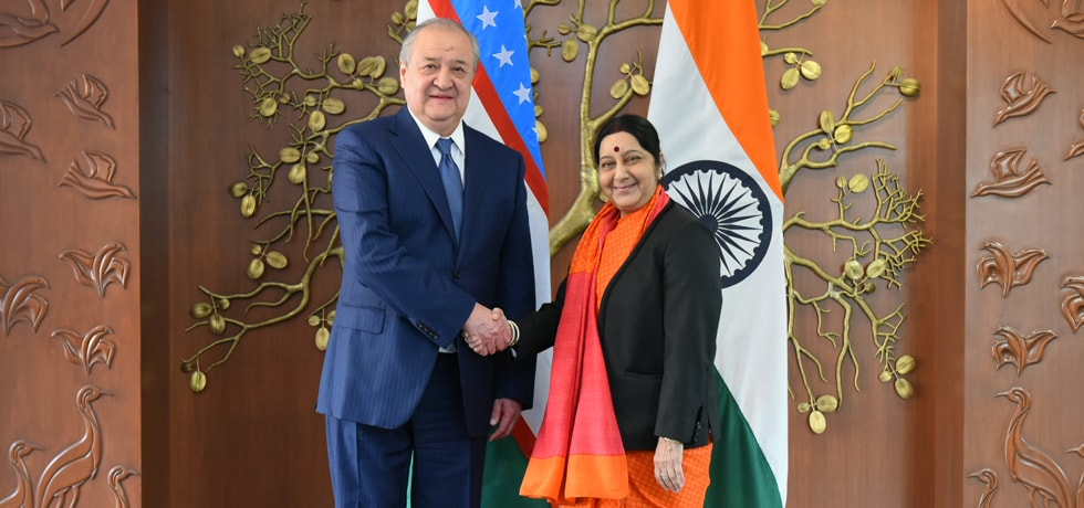 External Affairs Minister meets Abdulaziz Kamilov, Foreign Minister of Uzbekistan in New Delhi