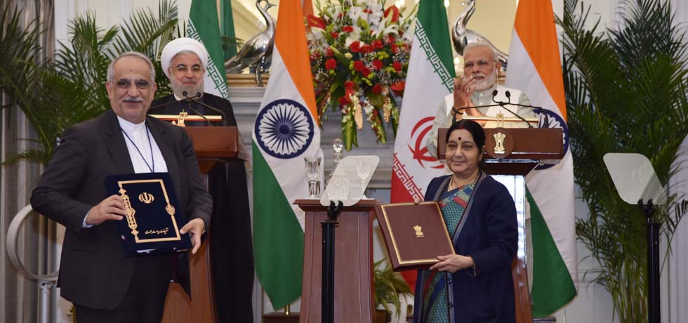 Prime Minister and Dr. Hassan Rouhani, President of Iran witness the exchange of agreements in New Delhi