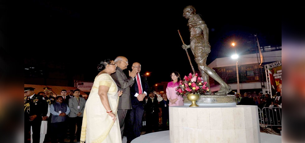 President offer floral tribute to Mahatma Gandhi Statue at Paramaribo, Suriname