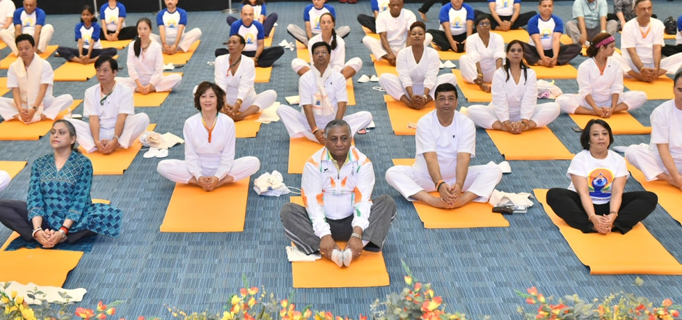 Gen. (Dr) VK Singh (Retd), Minister of State leads celebrations of International Day of Yoga accompanied by Heads of Missions and diplomats from various countries based in New Delhi at Pravasi Bharatiya Kendra