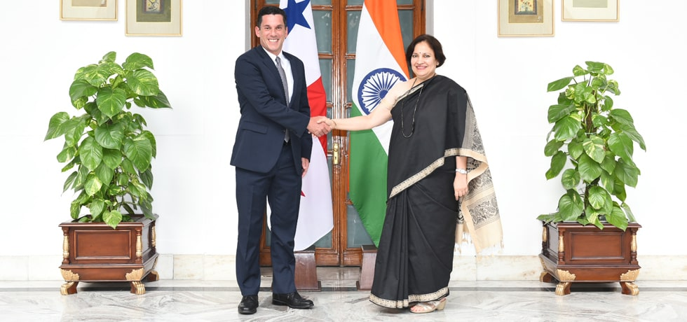 Secretary (East) meets Luis Miguel Hincapie, Deputy Foreign Minister of the Republic of Panama at Hyderabad House in New Delhi