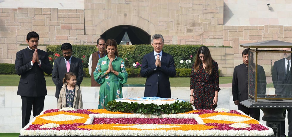 Mauricio Macri, President of the Argentine Republic pays floral tribute at the Samadhi of Mahatma Gandhi at Rajghat in New Delhi