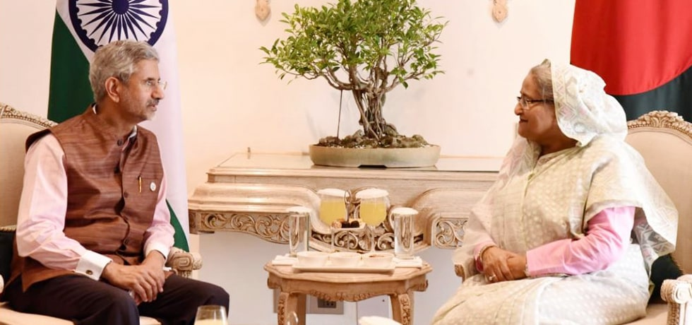 External Affairs Minister calls on Sheikh Hasina, Prime Minister of Bangladesh in New Delhi [ph]Photo Courtesy :- Photo Division[/ph]