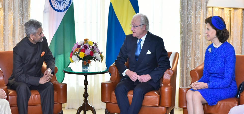 External Affairs Minister calls on King Carl XVI Gustaf and Queen Silvia of Sweden in New Delhi