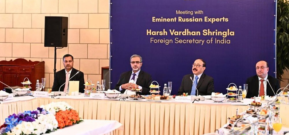 Foreign Secretary interacts with eminent Russian experts in Moscow