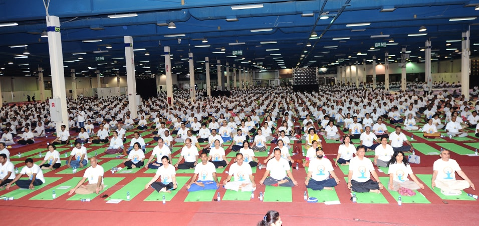 More than 5000 people performed Yoga under one roof in Oman during celebration of 3rd International Day of Yoga