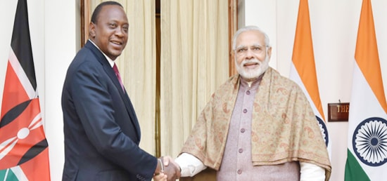 Prime Minister meets Uhuru Kenyatta, President of Republic of Kenya in New Delhi [ph]Photo Courtesy: B M Meena, Photo Division[/ph]
