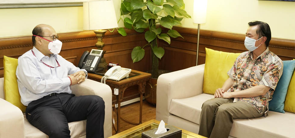 Foreign Secretary meets Pham Sanh Chau, Ambassador of Vietnam to India in New Delhi
