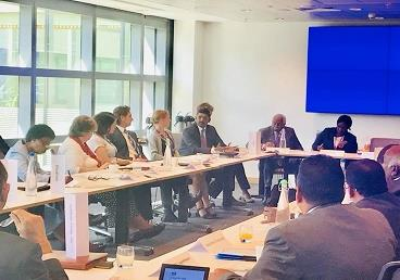 Commonwealth Round Table consultations on oce...